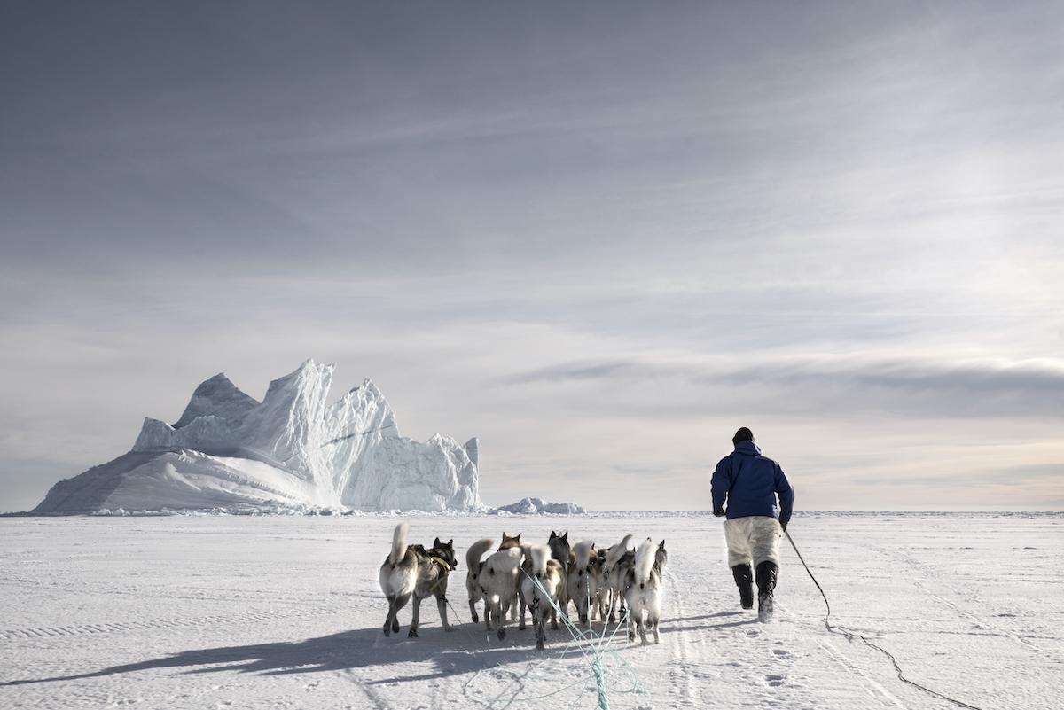 Fernando Moleres. Inuit entrenando a sus perros, Groenlandia, 2015 © Fernando Moleres