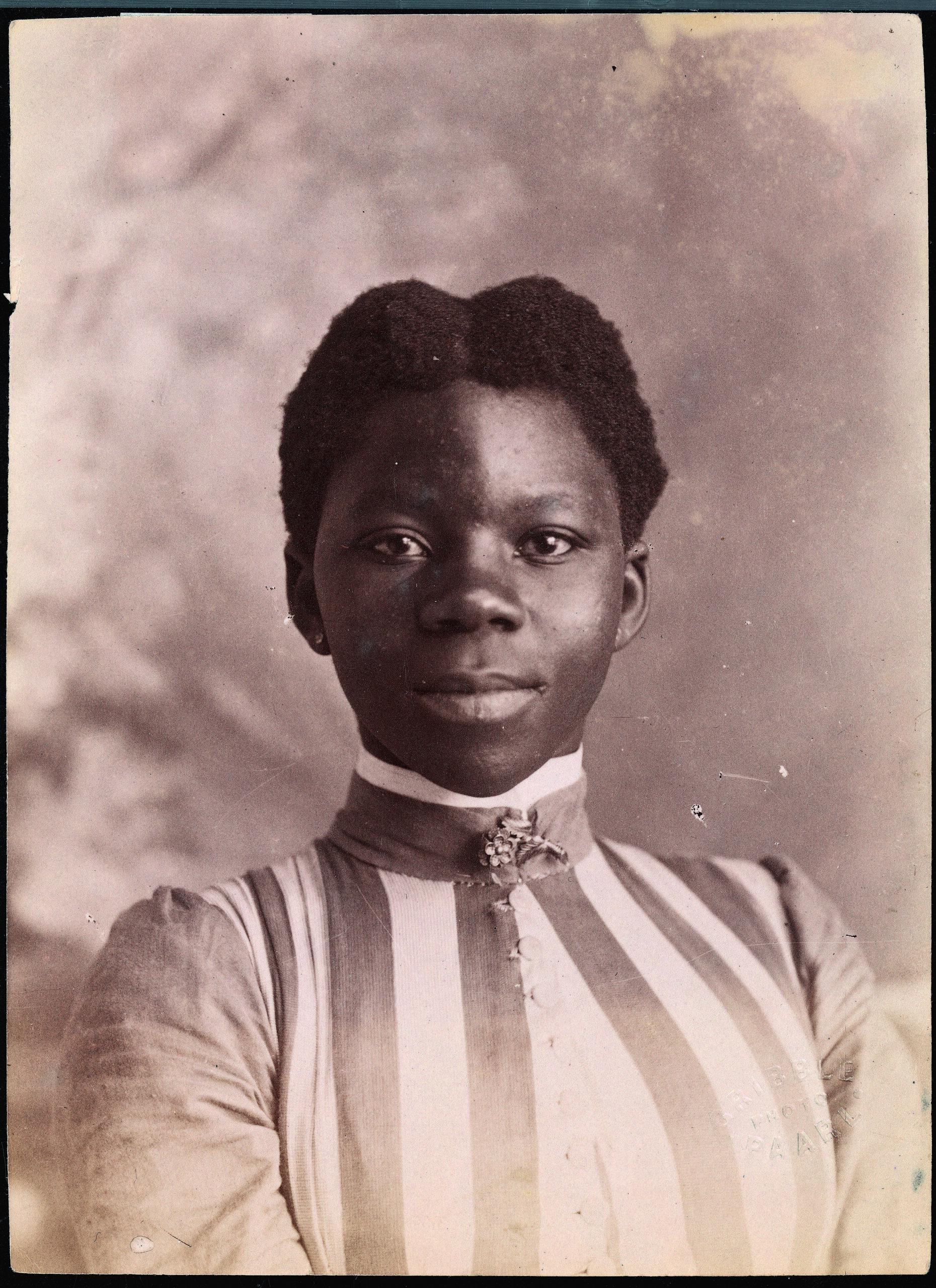 James A. Gribble_19C-1520_Portrait_woman_BAJA