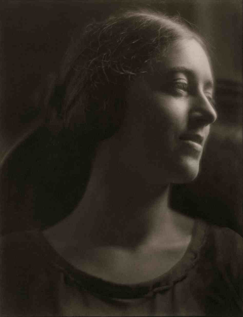 Margaret Watkins. Portrait Study (Verna Skelton), 1923 © Margaret Watkins. Joseph Mulholland Collection, Glasgow