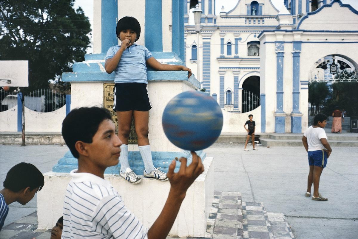 Rebecca Norris Webb. Tehuantepec, Mexico, 1985 © Rebecca Norris Webb