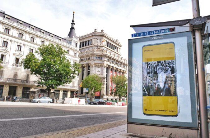 Inauguramos la exposición en el mobiliario urbano de Madrid con las imágenes ganadoras del Premio OPPO de #VisitSpain